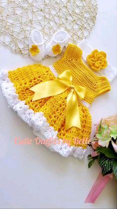 Crochet Baby Dress Pattern, Crochet Doll Dress, Baby Girl Crochet, Crochet Baby Clothes, Crochet For Boys, Crochet Patterns, Knit Baby Shoes, Baby Patterns, Baby Knitting