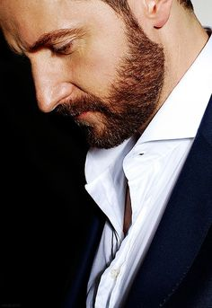 Richard Armitage's is still considering a trip to London for us...  Hmmm.... mid-July...hmmm?