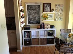To make upstairs homeschool/guest room or to do it in the dining room/living room? { The Crafty Homeschool Mama }: Practical & Pretty: {Small Space} Homeschool Organization Home Learning, Learning Spaces, Home Schooling, My New Room, Decoration, Room Inspiration, Home Office, Small Office, Small Spaces