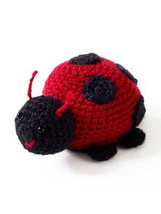 Lucky ladybugs! Get 10 free #crochet ladybug patterns in this roundup from mooglyblog.com