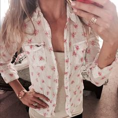 Button up long sleeve  EUC. Floral print button up from hollister.  Cute unbuttoned over a Tank or buttoned up too! Hollister Tops Button Down Shirts