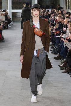 Louis Vuitton – Fashion Week Homme Paris Automne-Hiver 2017-2018 http://sumo.ly/uNNT
