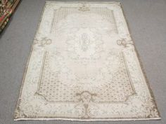 Vintage-Distressed-Handmade-Turkish-Rug-Overdyed-washed-out-Neutral-Color