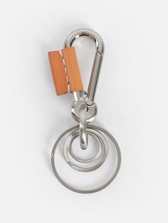 f199497b2be1d6 HENDER SCHEME SILVER KEYCHAIN WITH LEATHER DETAIL Key Rings, Irish Rings,  Keychains, Brown