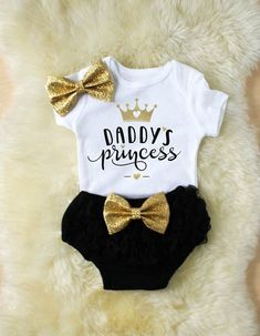 Baby clothes – Daddy's Girl shirt – Baby clothes – Father's Day outfit – Daddy's princess – Girl clothes – New baby gift – Baby show baby girl clothes daddys girl shirt baby girl outfits - Unique Baby Outfits Fashion Kids, Baby Girl Fashion, Fashion Clothes, Dress Clothes, Jeans Fashion, Style Clothes, Fashion Fashion, Dress Pants, Trendy Fashion