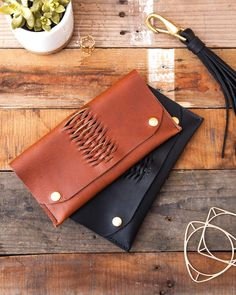 Handmade Leather Woven Wallet and Leather fringe Keychain  #leather #Wallet #handmade #Womensaccessories #fashion #styleoftheday #bohemian #boho #gypsygirl #gypsy #handbags #leathergoods #madeinusa #madeinoregon #supportlocal #weave #Jpaige&co