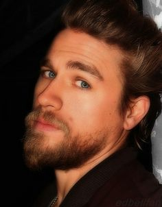 Jax Teller SOA Sons of Anarchy Oh man those eyes! Sons Of Anarchy, Most Beautiful Man, Gorgeous Men, Brad Pitt, Charlie Hunnam Soa, Jax Teller, Romance, Foto Art, Raining Men