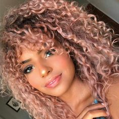 Lace Frontal Wigs Pink Blonde Hair With Pink Roots For Girl Curly Pink Hair, Pink Blonde Hair, Colored Curly Hair, Fine Curly Hair, Thin Hair, Ambre Smith, Cabelo Rose Gold, Curly Hair Styles, Natural Hair Styles