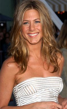 Jennifer Aniston Headed to the Academy Awards - Red Carpet | E!Online. love that dress!!