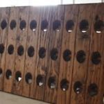 i saw this wine rack on pottery barn...so expensive!!...but i bet i could make it =P