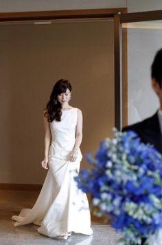 【基礎知識】ウエディングドレスの種類とブランドを徹底研究!今、知りたいドレス事情 One Shoulder Wedding Dress, Wedding Dresses, Fashion, Bride Dresses, Moda, Bridal Gowns, Fashion Styles, Weeding Dresses, Wedding Dressses