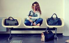 La jeune créatrice belge Clio Goldbrenner mentionne ses 3 produits de beauté préférés.