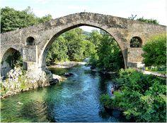 Asturias_o_trabajas_puente_de_cangas_de_onis.