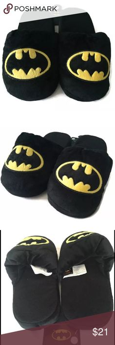 NWT DC Batman slippers XL size 11-12 soft plush Brand new item with tag Shoes Loafers & Slip-Ons