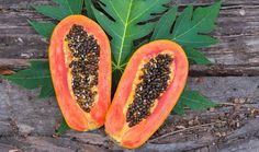 Papaya seeds can prevent and cure a plethora of ailments related to the liver, gut, worms and even diseases like Dengue. Read more on papaya seeds benefits. Kidney Detox, Detox Your Liver, Kidney Health, Gut Health, Health Tips, Remedies For Kidney Infection, Banana Frita, Heal Liver, Natural Home Remedies
