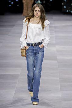 Cintura texana accessorio moda 2020elleitalia Celine, Shorts, Phillip Lim, Elegant, Isabel Marant, Must Haves, Tory Burch, Mom Jeans, Saint Laurent