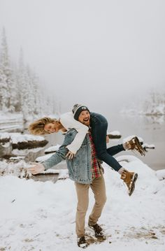 Snowy Engagement Session at Rocky Mountain National Park, CO.- Snowy Engagement Session at Rocky Mountain National Park, CO Winter Couple Pictures, Winter Engagement Pictures, Engagement Photo Outfits, Engagement Session, Engagement Ideas, Engagement Ring, Mountain Engagement Photos, Couple Christmas Pictures, Winter Snow Pictures