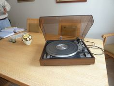 Dual-Schallplattenspieler
