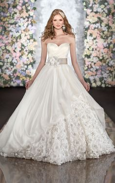 Martina Liana Wedding Dresses. To see more: http://www.modwedding.com/2014/06/24/martins-liana-wedding-dresses/ #wedding #weddings #wedding_dress
