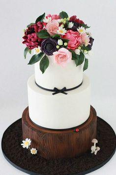 Simply stunning woodland cake!