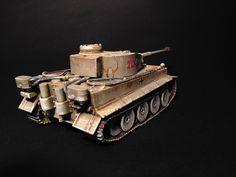 Tiger Zvezda 1/72  Tiger 213 de la schwere Panzerabteilung 504