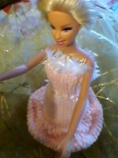 DIY une heure,une robe barbie - Chez Laramicelle Tinkerbell, Elsa, Disney Characters, Fictional Characters, Disney Princess, Diy, Barbie Dress, Barbie Clothes, Free Knitting
