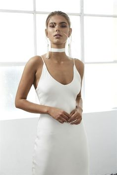 The utterly chic, yet bold Arlo gown was designed for the inexplicably chic Grace girl who exudes confidence and has an affinity for understated drama. Minimalist Gown, Minimalist Fashion, Grace Loves Lace, Fairy Wedding Dress, Wedding Gowns, Lace Wedding, Silk Gown, Bride Look, Fancy