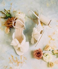 Dream #weddingshoes 🤩✨ Tag a bride looking for the perfect pair to wedding on her wedding day⠀⠀⠀⠀⠀⠀⠀⠀⠀ ⠀⠀⠀⠀⠀⠀⠀⠀⠀ Photography by @erinwilsonphoto⠀⠀⠀⠀⠀⠀⠀⠀⠀ shoes by @loefflerrandall⠀⠀⠀⠀⠀⠀⠀⠀⠀ planning by @aislebewithyouweddings⠀⠀⠀⠀⠀⠀⠀⠀⠀ florals by @poppylanedesign⠀⠀⠀⠀⠀⠀⠀⠀⠀ styling mat by @lindalestudios⠀⠀⠀⠀⠀⠀⠀⠀⠀