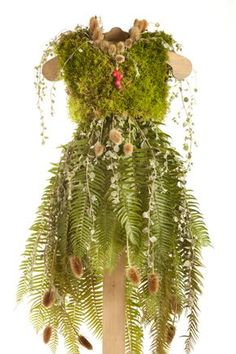 24 ideas mother nature makeup woodland fairy for 2019 Vintage Nature Photography, Nature Photography Flowers, Woodland Fairy Costume, Woodland Fairy Makeup, Garden Wedding Dresses, Fairy Dress, Costume Dress, Tree Costume, Flower Costume
