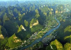 24 Guilin Travel Photos - Home Guilin, Natural Scenery, China Travel, Natural Phenomena, Planet Earth, Beautiful World, Travel Photos, Countryside, The Good Place