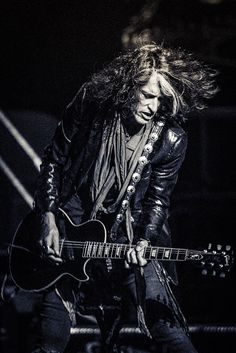 Joe Perry                                                                                                                                                     Más