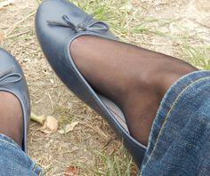 #feet #ballerinas #ballerines #ballerina #ballerine #shoeplay #heel #heels #shoe #shoes #dangling #heelpop #arche #sole #soles #arches #shoeplays #sexyfoot #sexyfeet #shoesfetish #footfetish #feetfetish #piedsnus #cleavagearche #cleavagearches #cleavagetoe #cleavagetoes #cleavagefeet #cleavagefoot