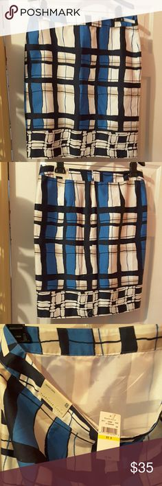Van Hessen skirt Cream black and blue colors in this skirt. Skirts Midi
