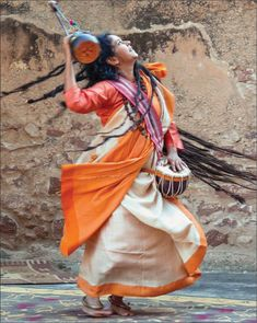 It can be identified that the Baul Festival shares a lot of similarities with the Kumbh Mela of India and the Burning Man festival of Western United States Kumbh Mela, Hindu Culture, Indian Photoshoot, Amazing India, Bollywood Cinema, Indian People, India Art, Cute Photography, Indian Heritage