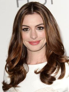 Anne Hathaway Hairstyles - November 4, 2010 - DailyMakeover.com
