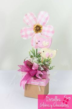 Mother's Day diys Mother's Day Bouquet, Candy Bouquet, Easter Gift, Easter Crafts, Candy Crafts, Diy Ostern, Crafts For Seniors, Chocolate Bouquet, Baby Shower Gifts