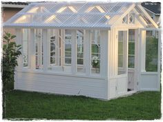 "Receive fantastic pointers on ""greenhouse plans diy"". They are readily available for you on our website. Backyard Greenhouse, Greenhouse Plans, Outdoor Projects, Garden Projects, Sewing Projects, Dream Garden, Home And Garden, Wooden Greenhouses, She Sheds"