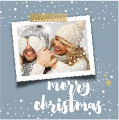 Unieke enkele vierkante kerstkaart met foto kader en goud look plakband, winterblauw op de ondergrond, witte sneeuw dots, handlettering teksten en sterretjes in een goud look - geen echt goud folie maar drukwerk!