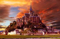 Mont Saint Michel Castle – France.... I want to go there... It's one real place like a dream....