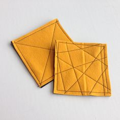 Create these simple yet colorful coasters with felt squares and unique stitch patterns. Whip up a bunch for a custom spot for your cuppa. Diy Projects To Try, Crafts To Do, Felt Crafts, Felt Projects, Craft Projects, Felt Coasters, Diy Coasters, Custom Coasters, Textiles