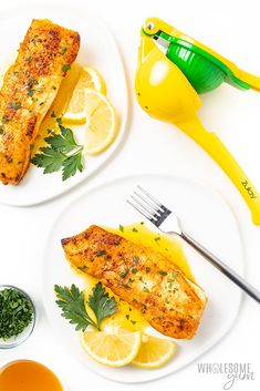This pan seared halibut recipe with lemon butter sauce takes just 20 minutes. which you'd never guess with how fancy pan fried halibut looks. I'll show you how to pan sear halibut, plus how to make the perfect sauce for halibut. Pan Seared Halibut Recipes, Pan Seared Tilapia, Tilapia Recipes, Fish Recipes, Seafood Recipes, Seafood Meals, Recipes Dinner, Dinner Ideas, Recipies