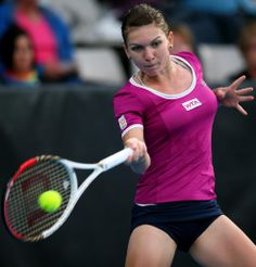 Simona Halep tennis player breast reduction AFTER 34C