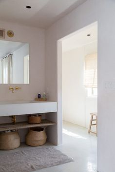 At Home with an LA Costume Designer, Summer Remodel Edition .- At Home with an LA Costume Designer, Summer Remodel Edition – Remodelista aesthetic looking white bathroom with large sink for the whole family - Home Interior, Bathroom Interior, Modern Bathroom, Small Bathroom, Interior Decorating, Interior Colors, White Bathroom, Colorful Bathroom, Natural Bathroom