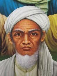 SUNAN GIRI WALISONGO Ia memiliki nama kecil Raden Paku, alias Muhammad Ainul Yakin. Sunan Giri lahir di Blambangan (kini Banyuwangi) pada 1442 M. Ada juga yang menyebutnya Jaka Samudra. Sebuah nama yang dikaitkan dengan masa kecilnya yang pernah dibuang oleh keluarga ibunya–seorang putri raja Blambangan bernama Dewi Sekardadu ke laut.... http://5antri.blogspot.com/2013/03/sunan-giri.html