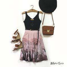Essa saia mídi linda é uma exclusividade da loja online! Pouquíssimas peças, corra pra garantir a sua! www.lojamariaemilia.com.br  Saia: 119,90 - disponível nas cores rosa e verde - tamanhos P e M • Regata renda - diversas cores: 39,90