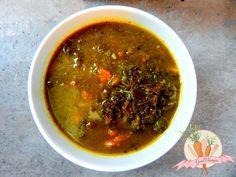 Wegańska zielona zupa z jarmużem