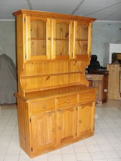 Crockery Cabinet                                                       …