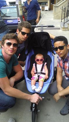 I love this show! And for good reason! :) Jean-Luc Bilodeau, Tahj Mowry, Derek Theler on abc Family show Baby Daddy