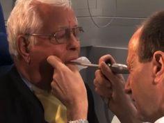 Therapie der Kehlkopfkrebs . Die häufigste Tumorerkrankung im Hals-Nasen-Ohrenbereich ist das Larynxkarzinom, also der Kehlkopfkrebs. Der Kehlkopf ist jenes Organ, das Luft- und Speiseröhre trennt und mit dessen Hilfe die Stimme entsteht. Als wichtigster Auslöser für die bösartigen Zellveränderungen gilt Tabakkonsum. Für die Kehlkopfkrebs-Therapie stehen verschiedene Operationsverfahren und die Strahlentherapie, die oft auch mit einer Chemotherapie #Krebs #Gesundheit