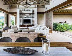 Tradiciones vigentes: la casa colombiana de descanso reinventada Crate And Barrel, Archi Design, Interior Exterior, Conference Room, Table, Furniture, Living Rooms, Houses, Home Decor